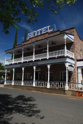 Jamestown Hotel Photo