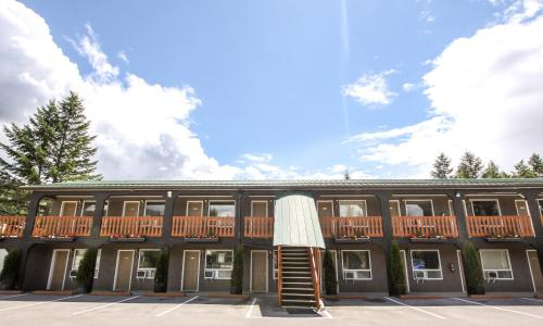 Crystal Springs Motel - Radium Hot Springs, BC V0A 1M0