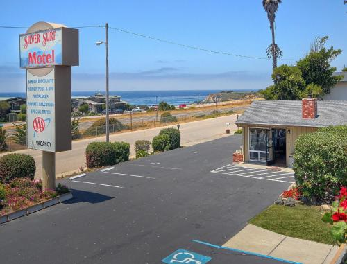 Silver Surf Motel Photo