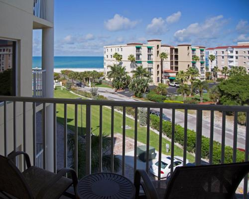 sunset vistas 2 bedroom beachfront suites saint petersburg fl