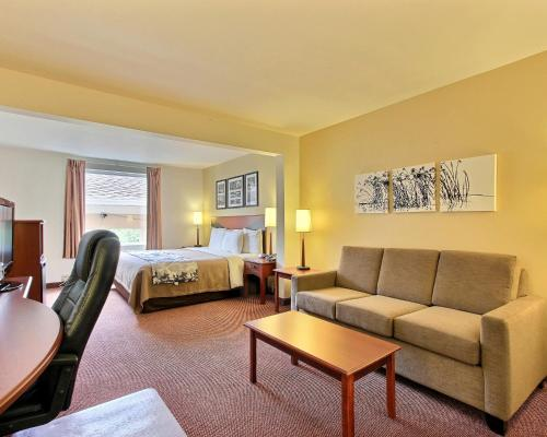 Sleep Inn & Suites Chambersburg Photo