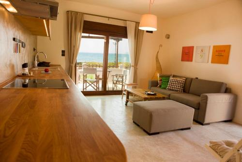 Horizonte Seafront Suites in samos - 0 star hotel