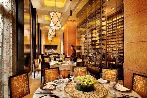 Four Seasons Hotel Macao Cotai Strip, Macau, China, picture 8