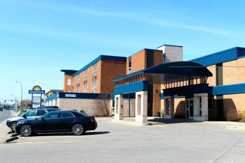 Days Inn Estevan Photo