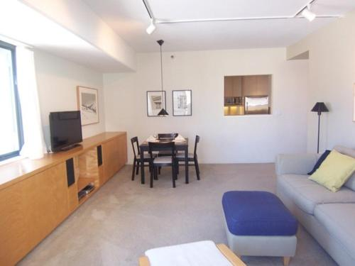Van Ness One Bedroom Apartment - San Francisco, CA 94109