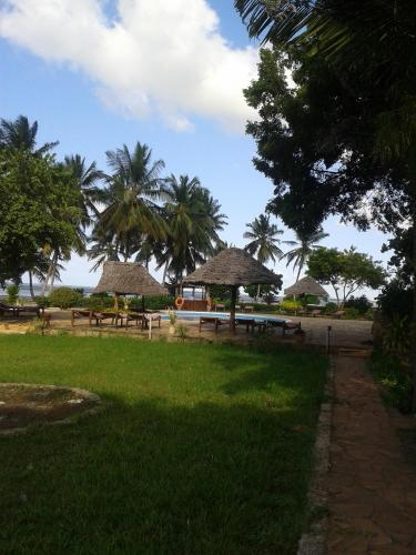 Maars Resort Chwaka Photo