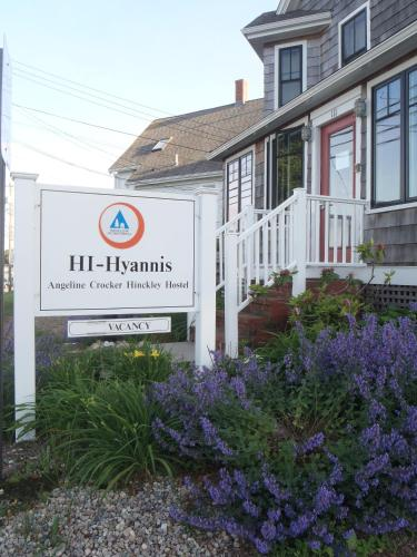 Hostelling International - Hyannis