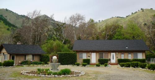 Kaweah River Horse And Guest Ranch - Spa Bath Room - Three Rivers, CA 93271