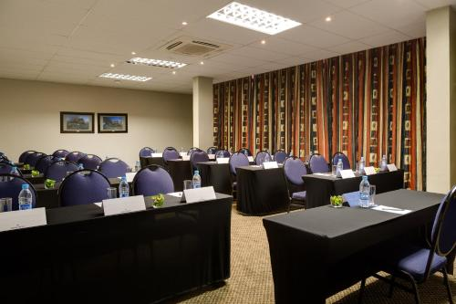 Protea Hotel by Marriott Emalahleni Highveld Photo