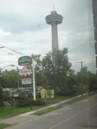 Empress Inn and Suites by the Falls Photo