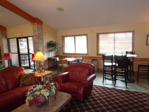 Baymont Inn Lakeville Photo