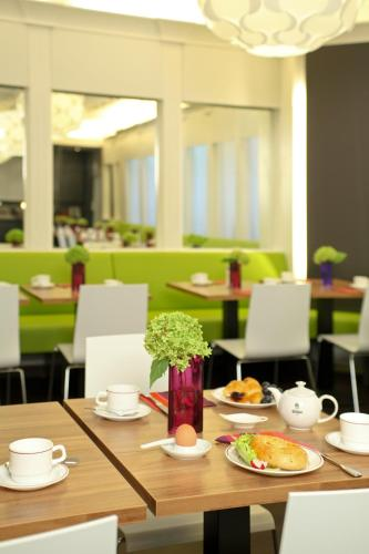 Ibis Styles Frankfurt City photo 11