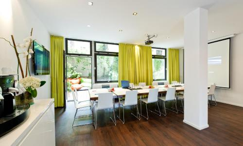 Ibis Styles Frankfurt City photo 13