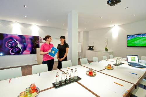 Ibis Styles Frankfurt City photo 15