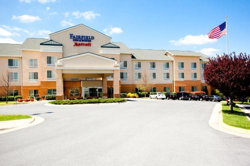 fairfield inn and suites by marriott winchester photo - Hilton Garden Inn Winchester Va