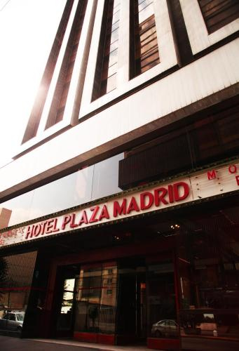 Hotel Plaza Madrid Photo