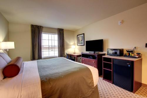 Cobblestone Inn and Suites - Avoca Photo
