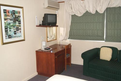 Broadway Guest House Bellville Photo