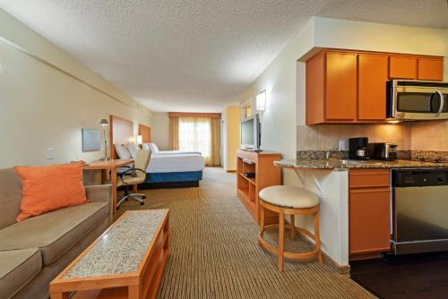 Hyatt House Colorado Springs Photo
