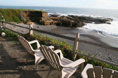 The Oceanfront Inn Photo