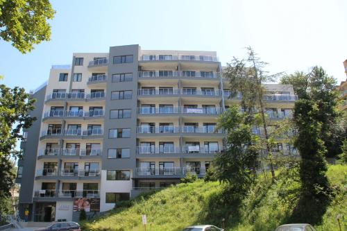 Dilov Apartments in Yalta Golden Sands - фото 0