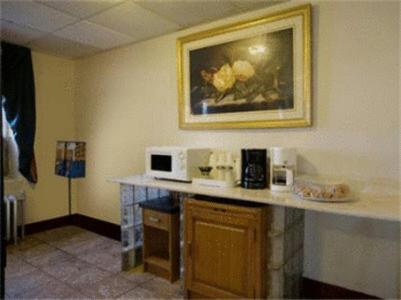 Americas Best Value Inn Dearborn