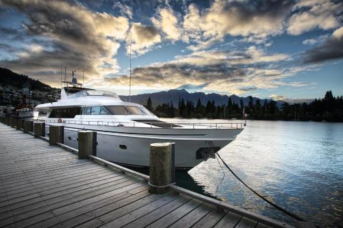 Pacific Jemm - Luxury Super Yacht - Queenstown