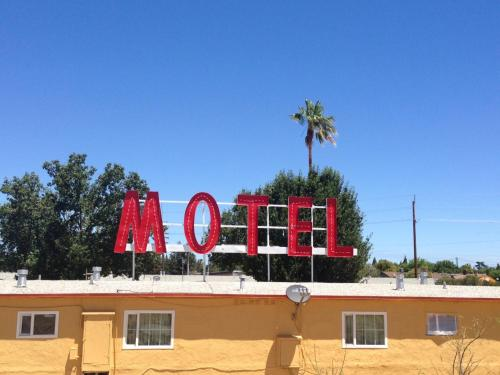 Valley Motel Photo