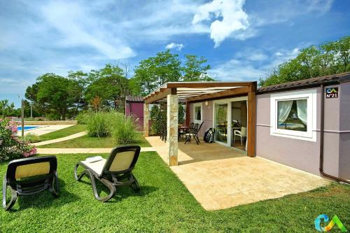 Гостевой дом «Superior Mobile Homes in Camping Park Umag», Karigador