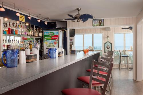 Surfside Beach Resort Photo