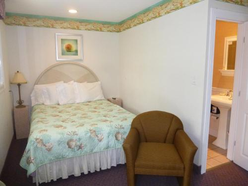 Falmouth Heights Motor Lodge Photo