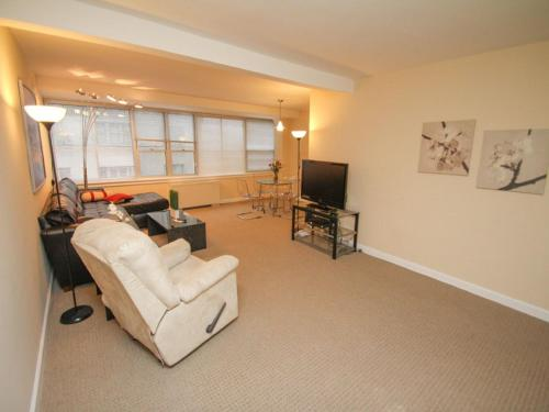 Luxury Two Bedroom on Rittenhouse Square - Park Views Photo