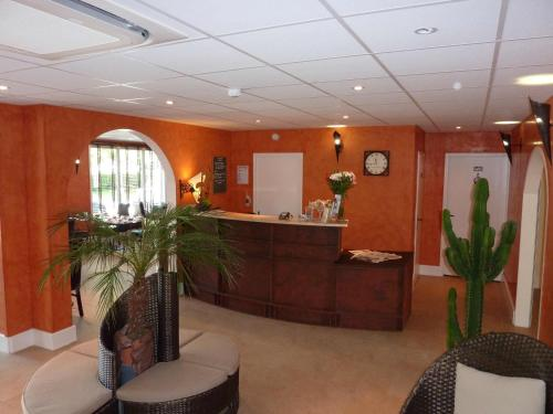 Brit Hotel Olympia - bourges -