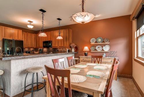 Highland Greens Townhome 19 by Colorado Rocky Mountain Resorts Photo