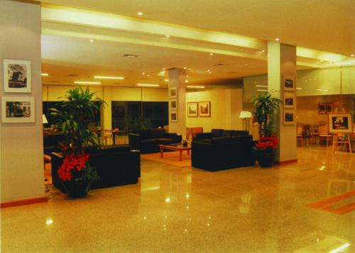 Hotel Dr. Cesar C. Carman Photo