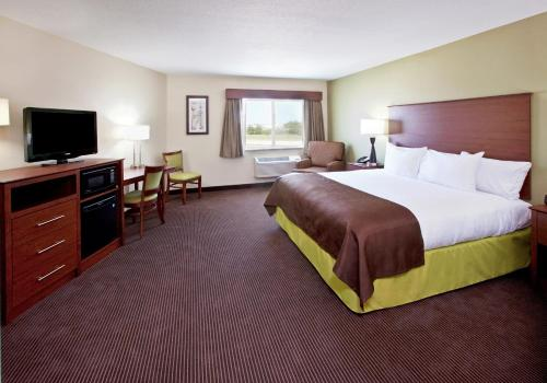 AmericInn Hotel & Suites - Osage Photo