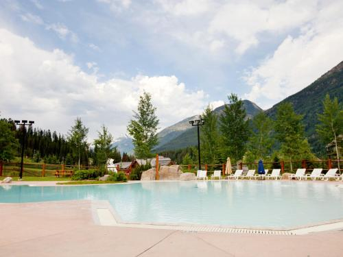 Panorama Mountain Resort - Lower Village Condos Photo