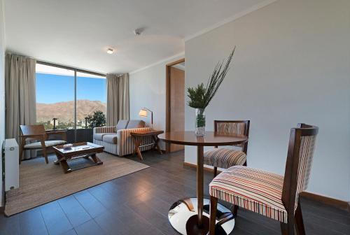 Hotel Atacama Suites Photo