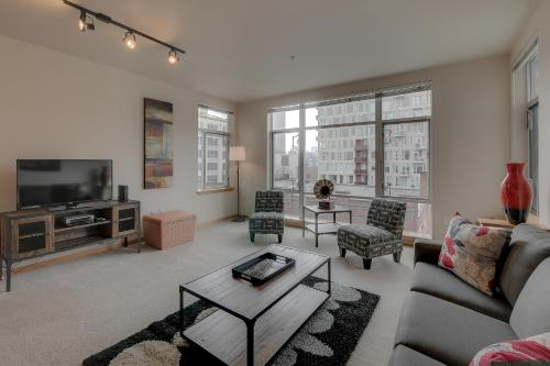 Hoyt Street Apartment by Stay Alfred Photo
