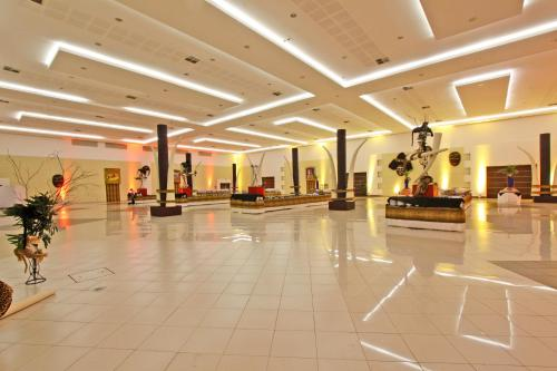 Rafain Palace Hotel & Convention Center Photo