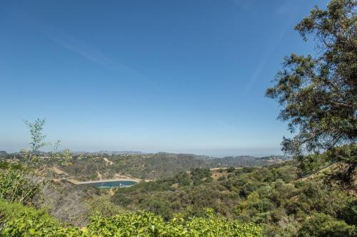 Three Bedroom Villa in Bel Air with Views Photo