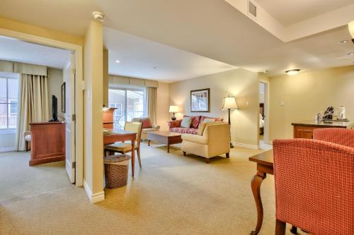 Residences at the Sun Peaks Grand Photo