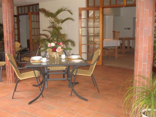 Touraco Guesthouse Photo