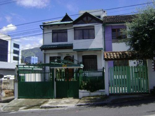 Villa Esperanza Homestay Quito booking