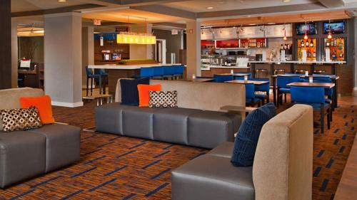 Courtyard by Marriott San Marcos Photo