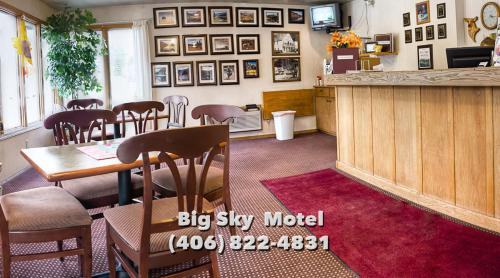 Big Sky Motel Photo