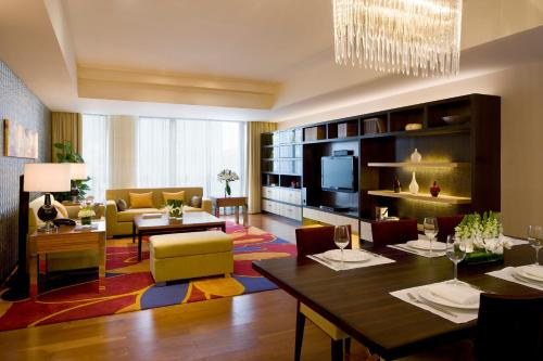 The Sandalwood Beijing Marriott Executive Apartments photo 9