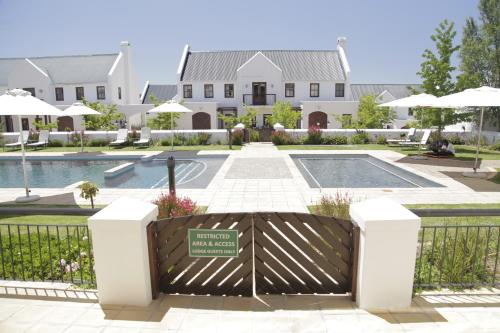 Winelands Golf Lodges Photo