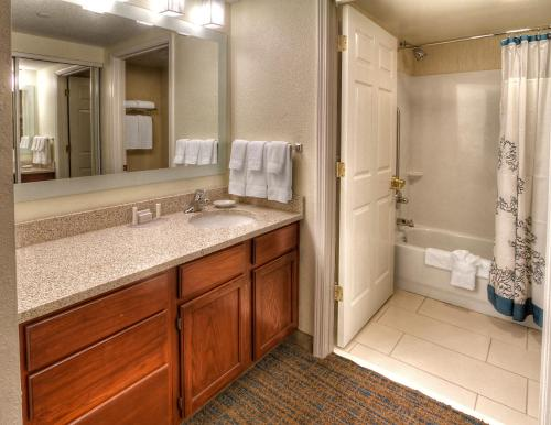 Residence Inn Memphis Germantown Photo