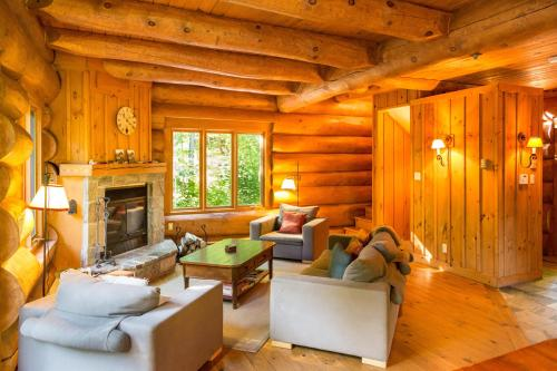 Tremblant Mountain Chalets Photo